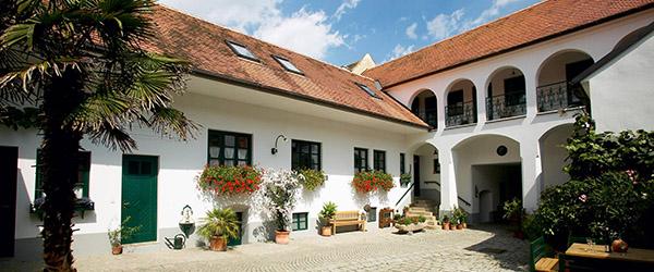 winzerhof-stift-01-600x250px